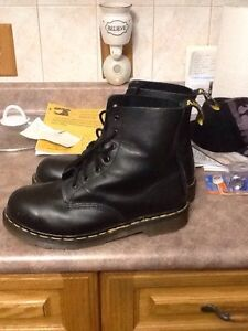 Steal toe boots 1 hour used Windsor Region Ontario image 2