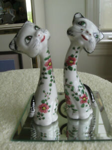 WHIMSICAL PAIR of CHINA KITTENS..[Made in ITALY]