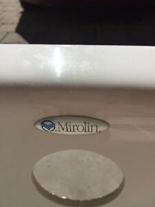 Mirolin jet tub - make an offer! Kitchener / Waterloo Kitchener Area image 3