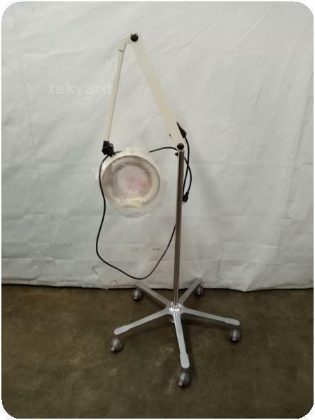 SUNNEX LED MAGNIFYING CLAMP LAMP ! (277216)