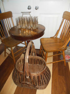 Shaker box style table top table with claw feet, 2 wood chairs London Ontario image 8