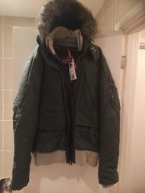 Brandnew genuine superdry coat xl can post or deliver lically