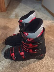 Ski boots good condition size 30 (12US)