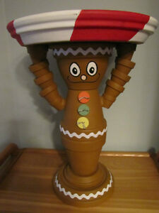 Terra Cotta Gingerbread cake / cookie, stand