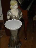 table d'appoint femme statue cabaret tray