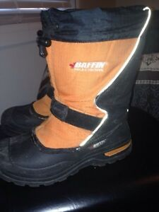 Baffin boots size 4 and 5 Cornwall Ontario image 1