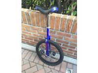 B Square Unicycle