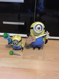 ROCK & ROLLING STUART MINION TOY