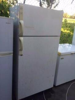 Large/ reasonable outside looking / 480 liter hoover fridge., can