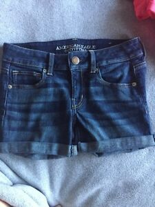 American Eagle Size 2 Shorts Peterborough Peterborough Area image 1