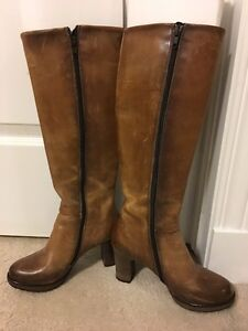 Town Shoes Leather Boots sz 36 similar to 5 1/2