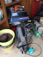 15 HP 2 Stroke Long Shaft Boat Motor Excellent Condition-Reverse