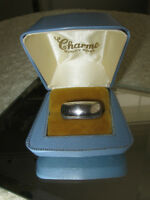 LARGE VERY OLD VINTAGE SILVER RING...[SIZE 7 3/4]