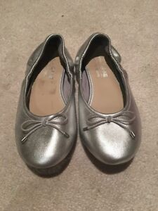 Girl shoes size 1 1/2