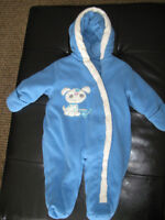Infant snow suit size 3 months