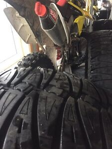 "35"" super swamper trxus sts mud tires"