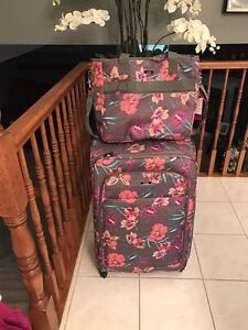 Lula large suite case with hand bag mint