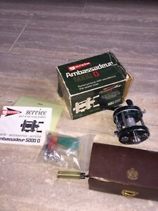Abu Ambassadeur 5000D reel with case and box.