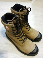 Safety Boots Leather Size 9.5 (Acton)