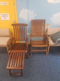 2 outside chairs with cushions