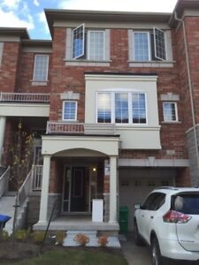 Townhouse house for rent steeles & chinguacousy