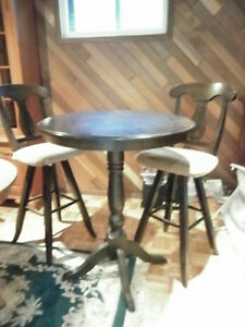 Bistro Table with 2 swivel chairs