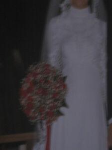 ***Robe de mariée, grandeur 2 ans***