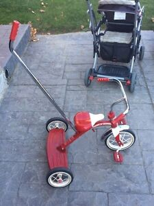 Red Rapid Flyer tricycle - parents safety handle Cambridge Kitchener Area image 6