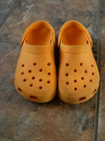 Chaussures CROCS originale orange femme grandeur 5