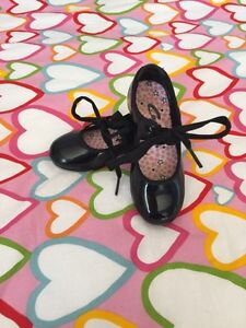 Children's tap shoes Sarnia Sarnia Area image 1