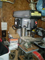 5 SPEED BENCH TOP DRILL PRESS IN MANITOUWADGE