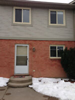 3 bedroom Townhouse Dorchester Blvd St. Catharines avail 6/01/15
