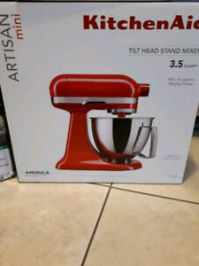 ☆Kitchen Aid Mixer☆ BRAND NEW IN THE BOX!!!