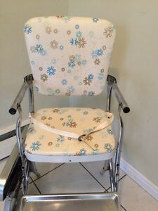 Vintage high chair London Ontario image 5