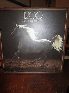 JIGSAW PUZZLE - WHITE HORSE - 1200 PIECES