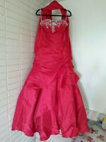 Beautiful gowns to pick from!