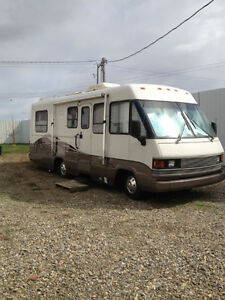 Beautiful   Winnebago Outlook Class C Motorhome For Sale In Red Deer Alberta