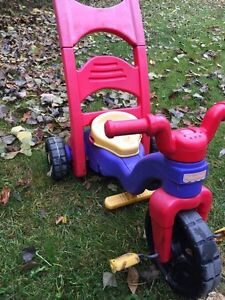 Tricycle Fisher Price  Rock, Roll and Ride West Island Greater Montréal image 3