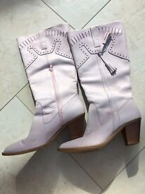 Western-style boots