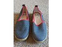 Pump Shoes Size 6 (39) brand new