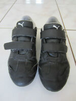 PUMA Soccer Turf Shoes/ Running shoes - Size 3 (Velcro)