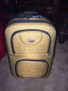 Luggage - carry on 2 wheel rolling suitcase
