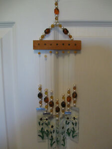 CLASSY LITTLE DECORATIVE [BEADS & GLASS] HANGING WIND CHIMES