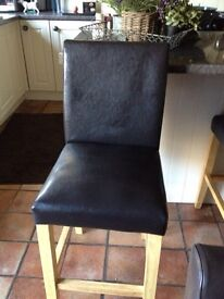 Lovely kitchen bar chairs