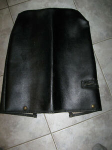 A HEAVY LEATHER [ZIPPERED CLOSURE] GOLF CLUB PROTECTIVE COVER...