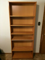 Nice shelving unit in great condition!