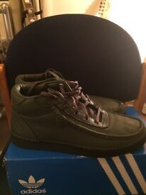 Adidas Albrecht mid size 8.5 Newcastle