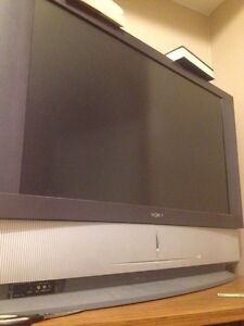 Barely used flat screen 80-90$ London Ontario image 2