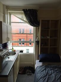Marylebone studio £200 pcw -- Sublet for 9th December till New Years