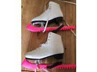 Ice skates Sz 6 - No Fear